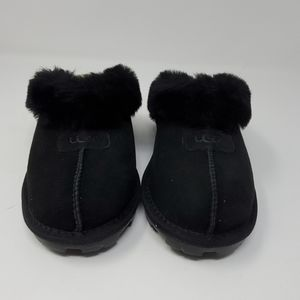 Ugg slippers new without tags